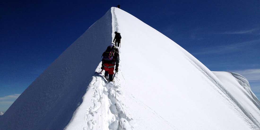 Climbing Ausangate mountain